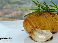 "Video ricetta: ""Patata arrosto"" (tipo Hasselback) – VEGAN – Aglio in Camicia"